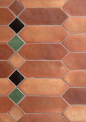 Heritage Unglazed Antiqua full range picket and Heritage Glazed 4 x 4 tile.